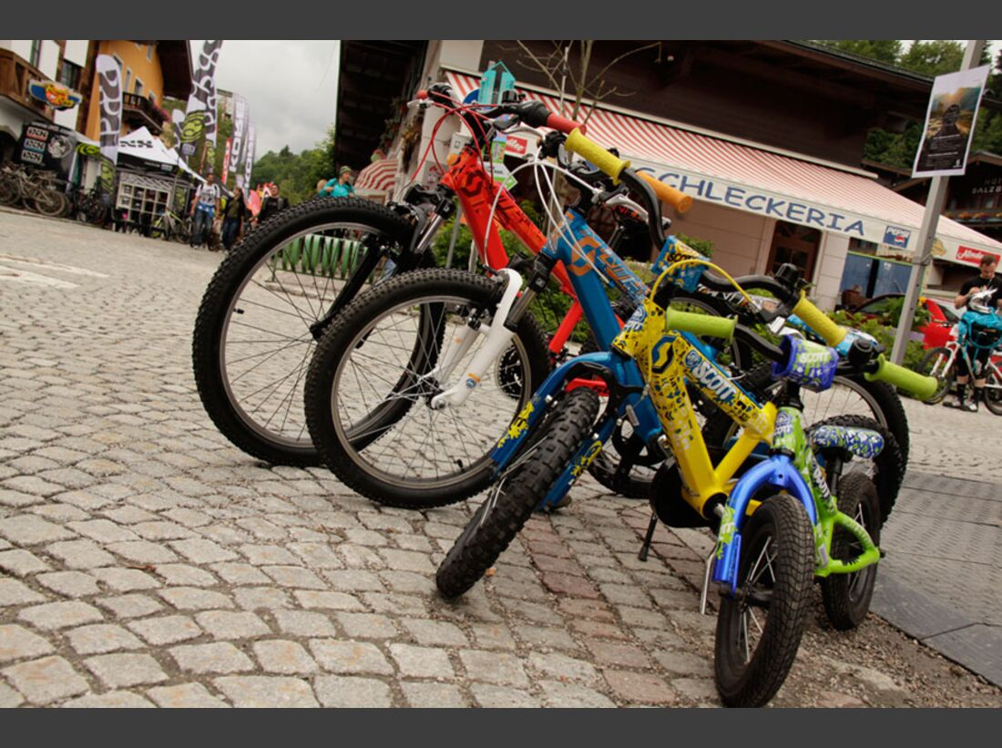 Bikes and Beats Tag 2 Impressionen: Mountainbike-Action, Musik und Festival 11