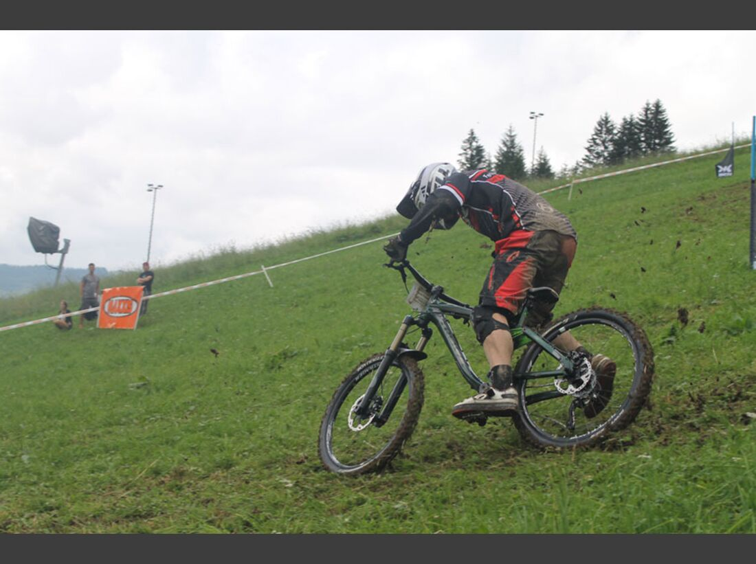 Bikes and Beats Tag 2 Impressionen: Mountainbike-Action, Musik und Festival 30