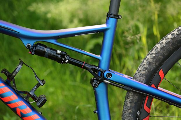 Specialized_Epic_2018_Product0033 (jpg)