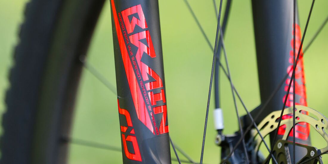Specialized_Epic_2018_Product0392 (jpg)