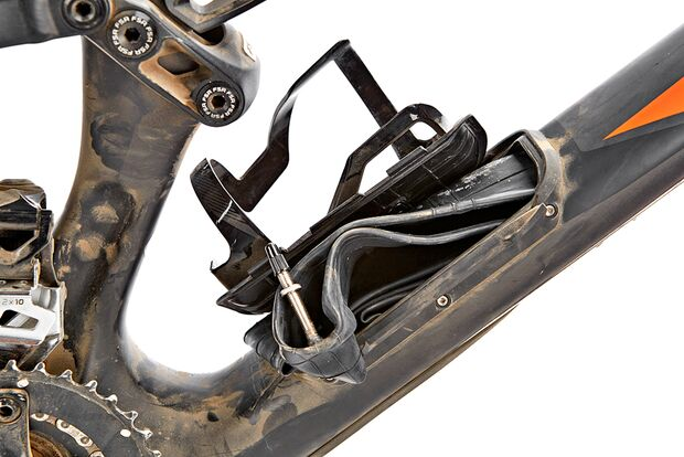 mb-0216-specialized-stumpjumper-fsr-comp-carbon-650b-detail-drake-images (jpg)